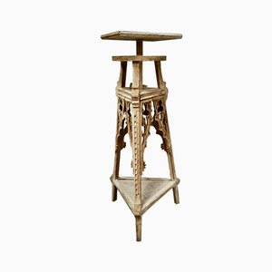 Gothic Bleach Oak Sculpture Stand