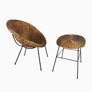 Mid-Century Rattan Armlehnstuhl und Pouf, 2er Set