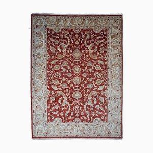 Dunkelroter Floraler Teppich