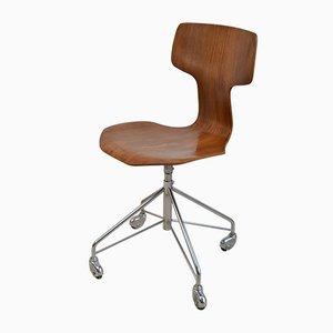 Sedia da scrivania modello 3113 regolabile di Arne Jacobsen per Fritz Hansen