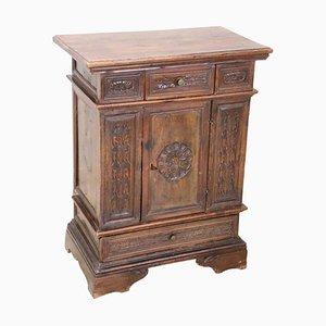 Comodino grande antico in legno di noce intagliato, fine XIX secolo
