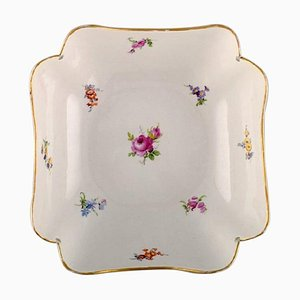 Antique Bowl in Hand-Painted Porcelain with Flowers and Gold Decoration from Meissen