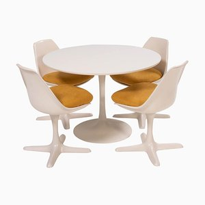 White Dining Table and Four Arkana 115 Yellow Dining Chairs Set by Borge Johansen, Set of 5