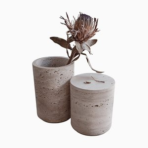 Hohe Travertino Vase in Hellbraun