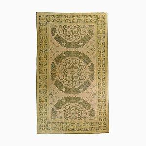 Grün-weißer cremefarbener floraler Motiv-Teppich, 1920er