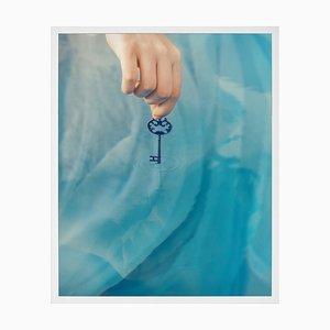 The Key, Gerahmte Bedruckte Leinwand von Mineheart