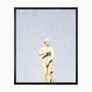 Statuesque 5, Gerahmte Bedruckte Leinwand von Mineheart