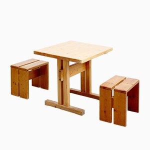 Französischer Tisch mit Hockern von Charlotte Perriand für Les Arcs, 1960er, 3er Set