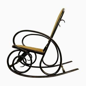 Sedia a dondolo in legno piegato attribuita a Thonet