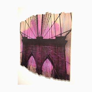 Brooklyn Bridge IV, Magentarote Sonnenuntergang, Mischtechnik Fotografie auf Holz, 2017
