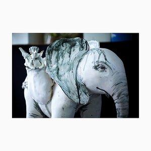 Elefant und Freunde, Keramikskulptur aus Keramik mit Tieren, 2019