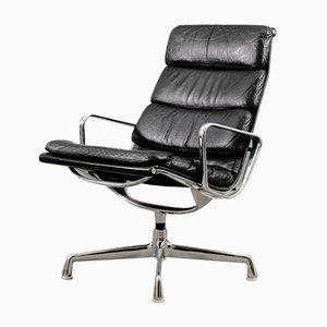 Sillón acolchado EA 216 vintage en negro de Charles & Ray Eames para Herman Miller
