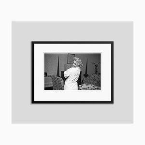 Imprimé Gélatine Ambassadeur Monroe en Argent Encadré en Noir Encadré par Ed Feingersh