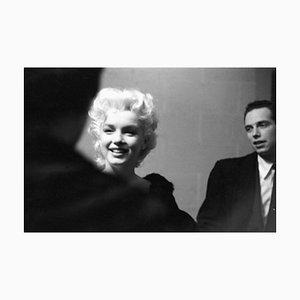 Marilyn Kostüm passender Silbergelatine Harz Druck, gerahmt in Schwarz von Ed Feingersh für Galerie Prints