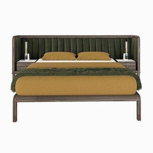 Cupid Bett aus schwarzem amerikanischen Nussholz & Samt mit integriertem Nachttisch von Casa Botelho
