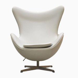 Chaise Egg Blanche par Arne Jacobsen pour Fritz Hansen, 2000s
