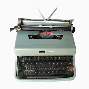 Lettera 32 Typewriter from Olivetti