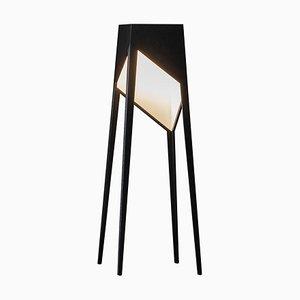 Schwarze Luise Stehlampe aus Eiche von Matthias Scherzinger