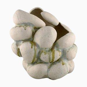 Vaso scultoreo modellato a mano in argilla di Christina Muff