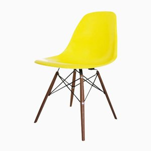 Silla DSW vintage de Charles & Ray Eames para Herman Miller
