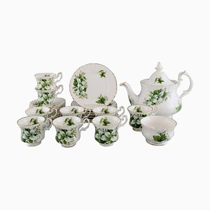Trillium Tea Service for Nine People in Porcelain from Royal Albert, England, Set of 20