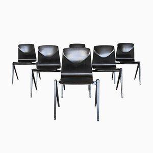 Sedia impilabile S22 nera di Elmar Flötotto per Pagholz Flötotto, Germania, anni '70