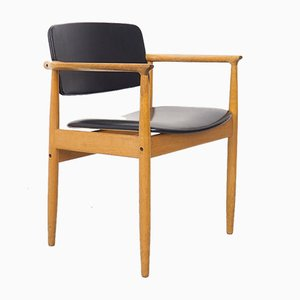 Dänischer Eichenholz Armlehnstuhl von PE Jorgensen für Farso, 1960er