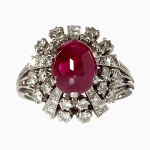 Vintage 18 Karat Gold Ring with Cabochon Ruby