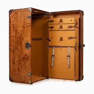 20th Century Leather Wardrobe Trunk from Louis Vuitton, 1900s