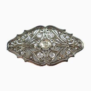 Art Deco Platinum Brooch Entirely Covered with Brilliant Cut Diamonds, 1930s