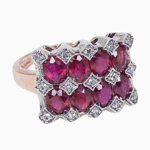 Ring im antiken Stil aus 9k Gold und Silber mit Rubinen, Smaragden, Saphiren und Diamanten