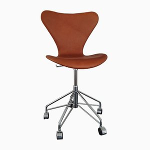 Chaise de Bureau Modèle 3117 en Cuir et en Noyer par Arne Jacobsen pour Fritz Hansen, 2003