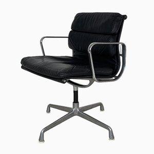 Poltrona imbottita vintage in pelle nera di Charles & Ray Eames per Herman Miller