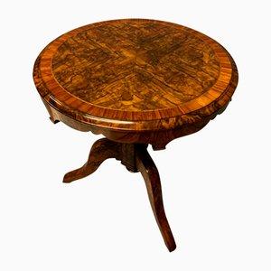 Tavolino in radica di noce, Regno Unito, XIX secolo