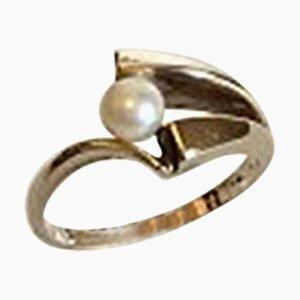 Goldener Ring mit Perle aus 14 Karat