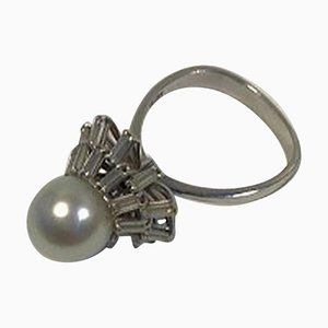18 Karat White Gold Ring with Pearl and Diamonds 1.4 Carat from Georg Jensen & Wendel
