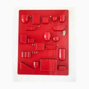Rotes Wandregal von Dorothee Becker