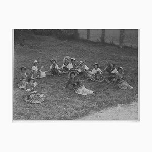 Inconnu, Femmes Assises et Relaxantes, Photo Vintage Noir & Blanc, 1934