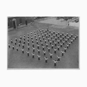 Unknown, Faschismuszeit in Italien, Outdoor Physical Education, Vintage Schwarzweißfoto, 1934
