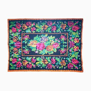 Handgewebter Floraler Teppich mit Farben auf Schwarzem Hintergrund