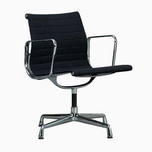 Chaise EA 108 en Aluminium de Vitra