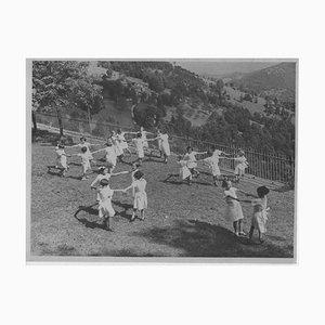 Inconnu, Enfants Jouant à l'Extérieur Pendant Le Fascisme en Italie, Photo Vintage N & B, 1930s