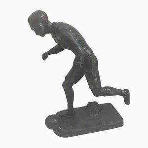 Sculpture Footballeur par H Fugere