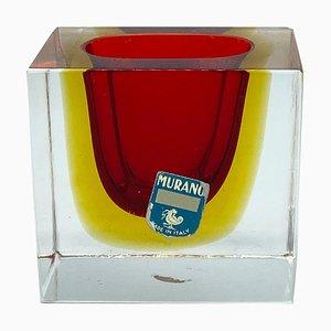 Vaso piccolo in vetro di Murano rosso, giallo e trasparente nello stile di Flavio Poli, Italia, anni '70