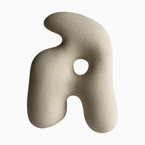 Handskulpturierte Emma Sandstein Skulptur von Hermine Bourdin