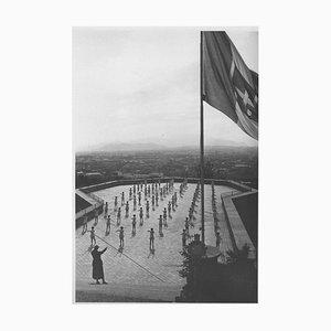 Scultoreo, ginnastica in uno stadio durante il fascismo in Italia, foto vintage in bianco e nero, 1934