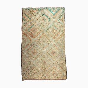 Türkischer Bestickter Vintage Oushak Kelim Teppich mit Hellbraun, Creme und Hellgrünem Geometrischem Muster
