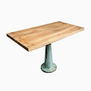 Mesa de jardín industrial de roble con patas de hierro fundido