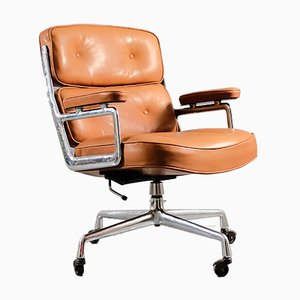 Cognacfarbener Vintage Lobby Chair von Charles & Ray Eames für Herman Miller