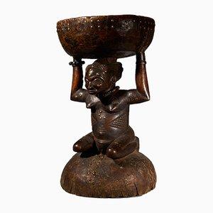 Zela Caryatide Hocker, gehalten von einer weiblichen Skulptur